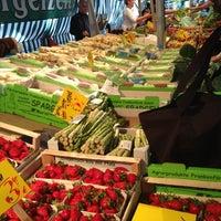 Foto tomada en Wochenmarkt Boxhagener Platz por Ben B. el 5/19/2012
