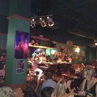 Photo prise au Pete's Dueling Piano Bar par Andy S. le7/7/2012