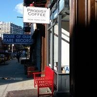 Foto tomada en Prodigy Coffee por Colin G. el 2/25/2012