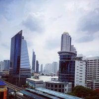 5/26/2012 tarihinde สุรพงศ์ ร.ziyaretçi tarafından Eastin Grand Hotel Sathorn'de çekilen fotoğraf