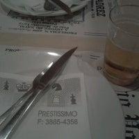 Foto scattata a Prestíssimo Pizza Bar da Malu G. il 8/18/2012