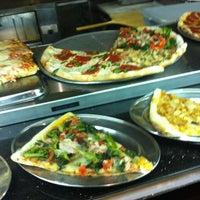 รูปภาพถ่ายที่ Delizia 73 Ristorante & Pizza โดย Andrew B. เมื่อ 3/19/2012
