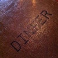 Снимок сделан в Mo's Restaurant пользователем Angela H. 8/4/2012