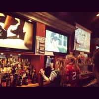 Foto scattata a Mudville Restaurant & Tap House da mazi il 9/9/2012