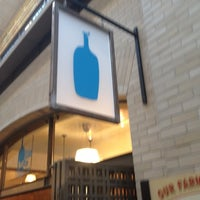 Foto scattata a Blue Bottle Coffee da Craig E. il 8/7/2012