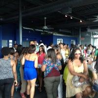 Das Foto wurde bei Indigo Bar & Lounge von Dj Ipod am 6/9/2012 aufgenommen