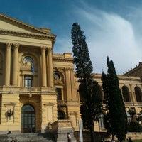 รูปภาพถ่ายที่ Museu Paulista โดย Francikelly R. เมื่อ 6/10/2012