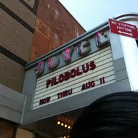 Das Foto wurde bei The Joyce Theater von Myra am 8/4/2012 aufgenommen