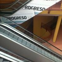 Photo prise au Pazo de Feiras e Exposicións de Lugo par Bluecat G. le6/2/2012