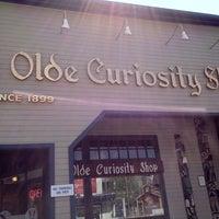 Foto tirada no(a) Ye Olde Curiosity Shop por Analiza 🎀🌸🌸 em 5/10/2012