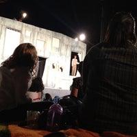 Foto scattata a Griffith Park Free Shakespeare Festival da M. D. il 7/20/2012