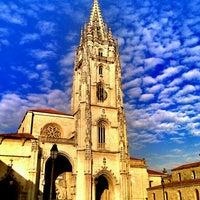 Foto tomada en Catedral San Salvador de Oviedo por Miguel Angel G. el 7/2/2012