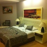 Das Foto wurde bei Samara Hotel von Emmy v. am 7/10/2012 aufgenommen