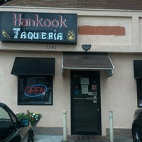 Foto diambil di Hankook Taqueria oleh Sarah O. pada 8/11/2012