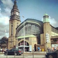 Das Foto wurde bei Hamburg Hauptbahnhof von Johannes E. am 8/31/2012 aufgenommen