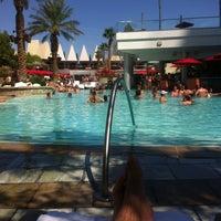 Foto tirada no(a) Palms Pool & Dayclub por DonCarlos em 8/12/2012