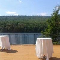 Photo prise au Rocky Gap Casino Resort par Amie J. le6/9/2012