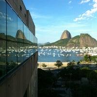 Foto tirada no(a) Botafogo Praia Shopping por Dado E. em 7/7/2012