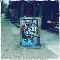 Foto scattata a Green Line Cafe da Karen H. il 2/14/2012