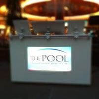 Das Foto wurde bei The Pool After Dark von MOS1 am 6/27/2012 aufgenommen