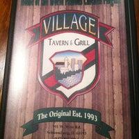 รูปภาพถ่ายที่ Village Tavern & Grill โดย James W. เมื่อ 5/7/2012
