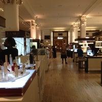 Foto tomada en Saks Fifth Avenue por Марина el 8/31/2012