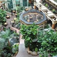 6/12/2012 tarihinde John O.ziyaretçi tarafından Embassy Suites by Hilton Santa Ana Orange County Airport'de çekilen fotoğraf