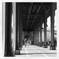Das Foto wurde bei Pont de Bir-Hakeim von @flakitavalente™ 👜 am 4/1/2012 aufgenommen