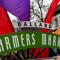 Photo prise au Ballard Farmer's Market par Courtney C. le3/25/2012