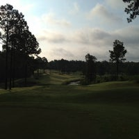 Foto scattata a Mid South Country Club da Adam T. il 7/20/2012