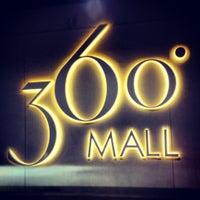 Foto tomada en 360° Mall por Lawyer A. el 7/21/2012