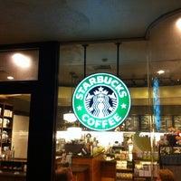 Foto tomada en Starbucks por kowagari el 7/30/2012