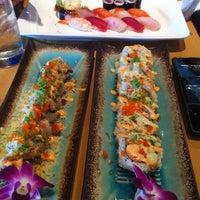 7/24/2012에 Olivia H.님이 Mizu Sushi Bar & Grill에서 찍은 사진