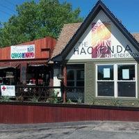 รูปภาพถ่ายที่ Hacienda on Henderson โดย Beer P. เมื่อ 4/21/2012