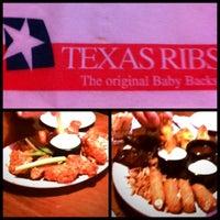 รูปภาพถ่ายที่ Texas Ribs® โดย Jassie T. เมื่อ 4/7/2012