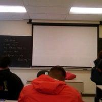 4/23/2012 tarihinde Donald C.ziyaretçi tarafından Hyland Hall (University of Scranton)'de çekilen fotoğraf