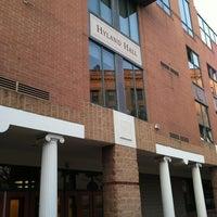 3/22/2012 tarihinde Mabelita C.ziyaretçi tarafından Hyland Hall (University of Scranton)'de çekilen fotoğraf