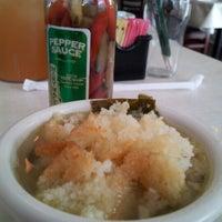 Das Foto wurde bei Mary Mac's Tea Room von Lori A. am 7/19/2012 aufgenommen