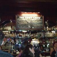 Das Foto wurde bei The Tipsy Crow von Jacqueline C. am 2/11/2012 aufgenommen