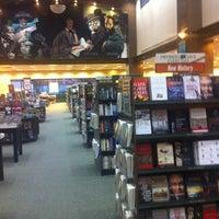 Foto scattata a Barnes & Noble da Ibraheem A. il 3/13/2012