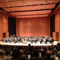 4/3/2012 tarihinde Curt L.ziyaretçi tarafından Alice Tully Hall at Lincoln Center'de çekilen fotoğraf