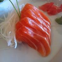 Foto tirada no(a) Samurai Sushi por Gina T. em 3/9/2012
