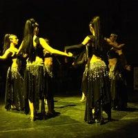 3/18/2012 tarihinde Tatangaziyaretçi tarafından Hodjapasha Culture Center'de çekilen fotoğraf