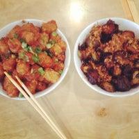 4/21/2012 tarihinde Nikki R.ziyaretçi tarafından Sakaya Kitchen'de çekilen fotoğraf