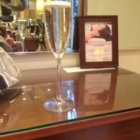 4/20/2012에 ✨Brenda R.님이 Argyle Salon & Spa에서 찍은 사진