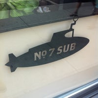 Foto diambil di No. 7 Sub oleh James B. pada 3/14/2012