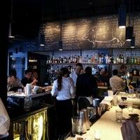 Photo prise au Barcelona Wine Bar Inman Park par John W. le4/7/2012