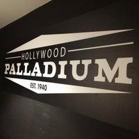 Foto tomada en Hollywood Palladium por Ace G. el 9/7/2012
