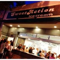 Photo prise au Sweet Action Ice Cream par Mitch S. le6/14/2012