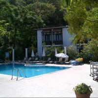 Foto tirada no(a) Ford Hotel por Burak Ö. em 8/25/2012